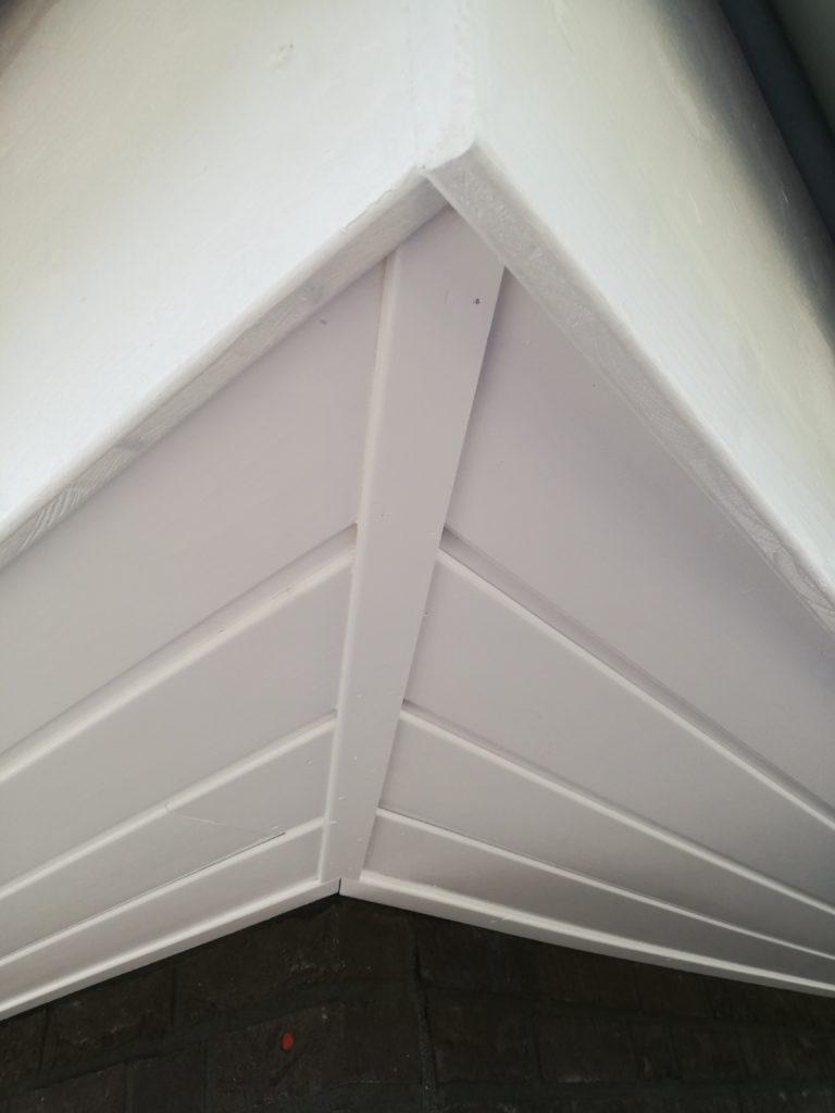 Ecke vom Dachkasten