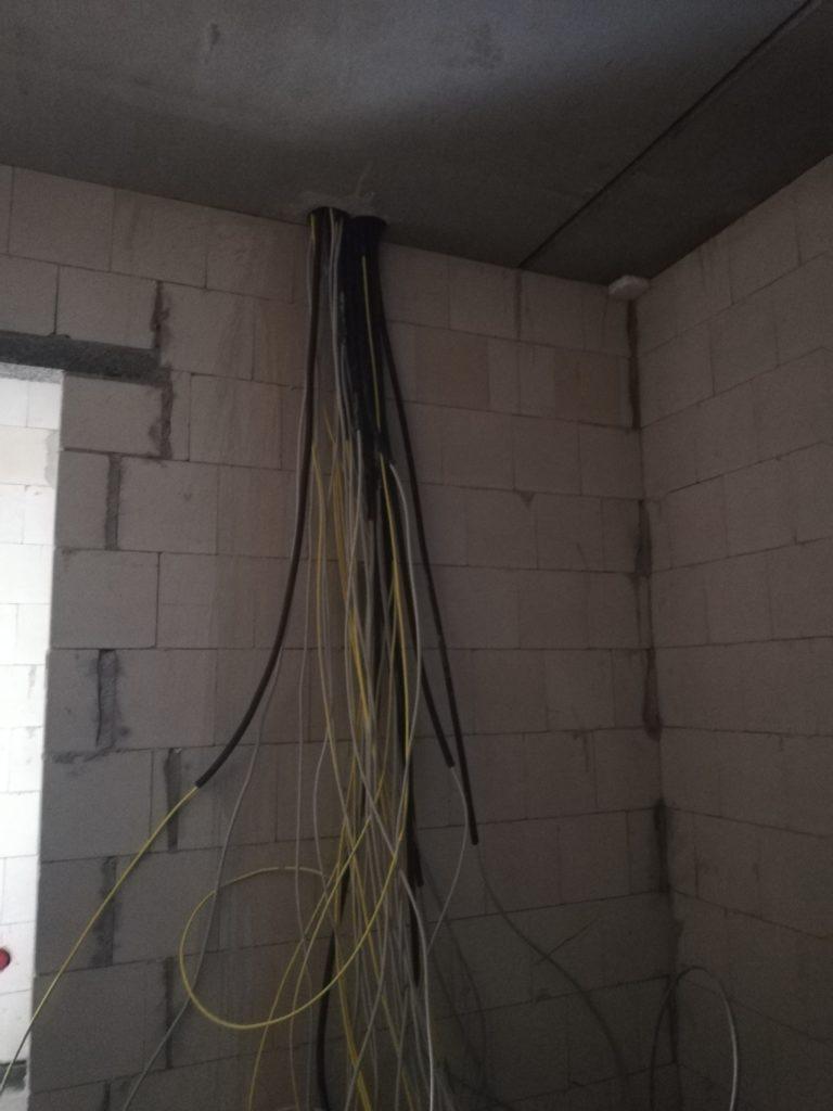 Kernbohrung für die Kabel