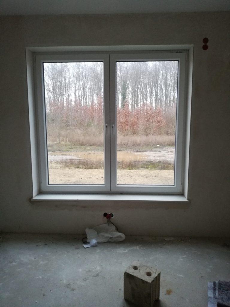 Fensterbank Sitzfenster im Wohnzimmer