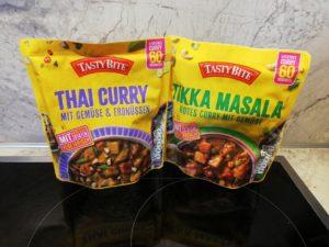 Thai Curry mit Erdnüssen und Tikka Masala von Tasty Bite