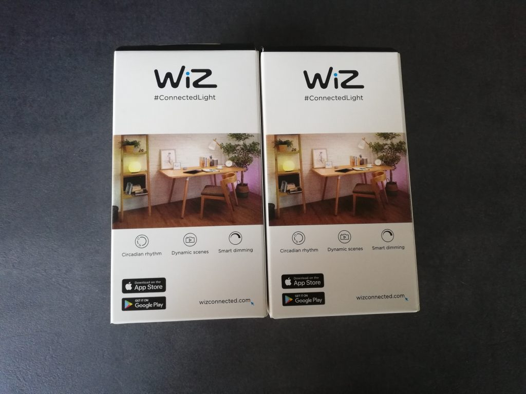 Verpackungen der WiZ Color Lampen