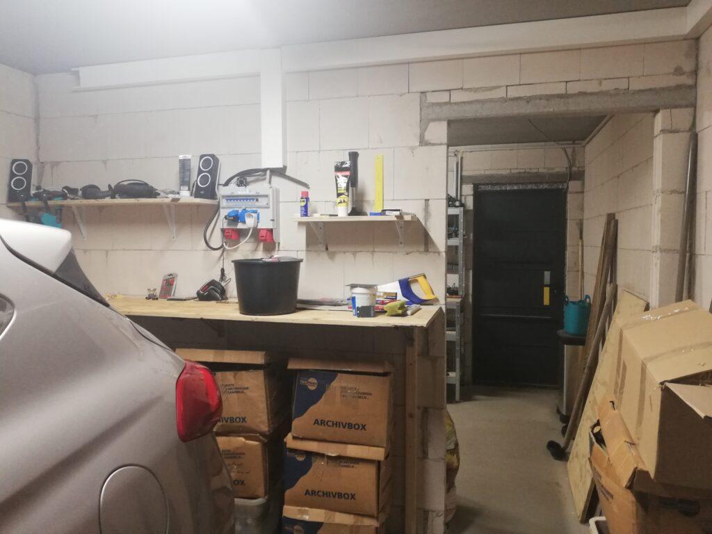 Garage mit Anbau