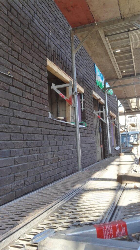 Klinker Fassade -  noch ohne Fugen